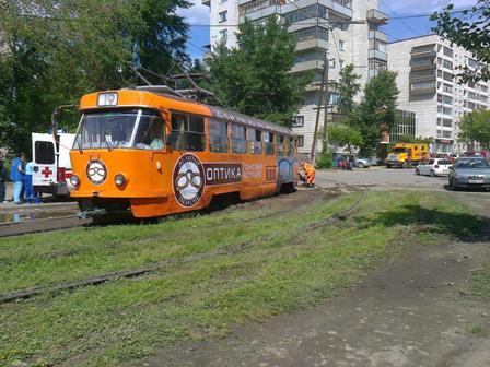 На Татищева трамвай уронил пенсионерку