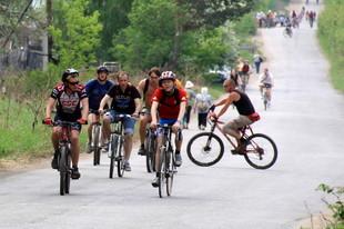 Почти 5 тысяч велосипедистов вышли на старт «Майской прогулки»