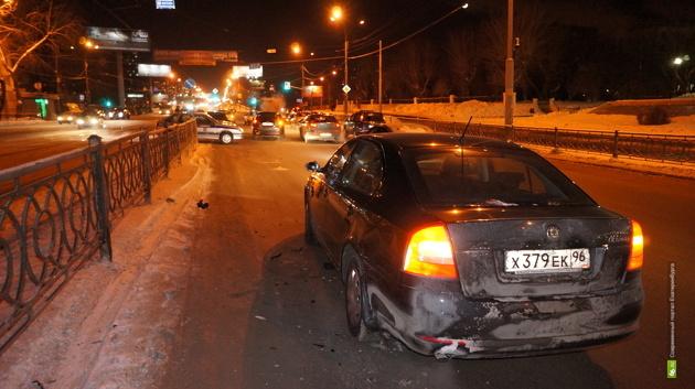 Автомобилисты: «Гаишники выстроили «живой щит» из наших машин»