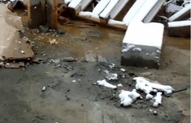 Многоквартирники на Уралмаше топят соседей нечистотами