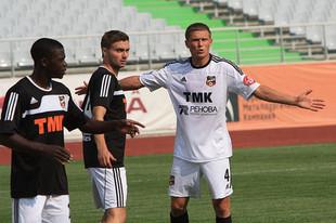Футболисты «Урала» не смогли обыграть своих дублеров