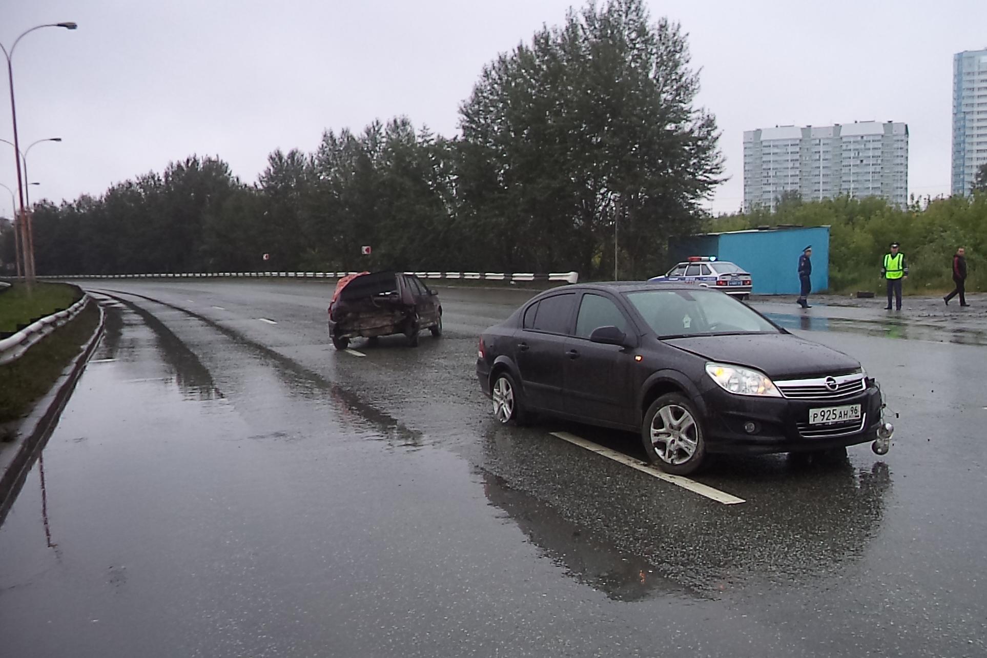На Объездной дороге Opel влетел в Lada, пострадали две женщины
