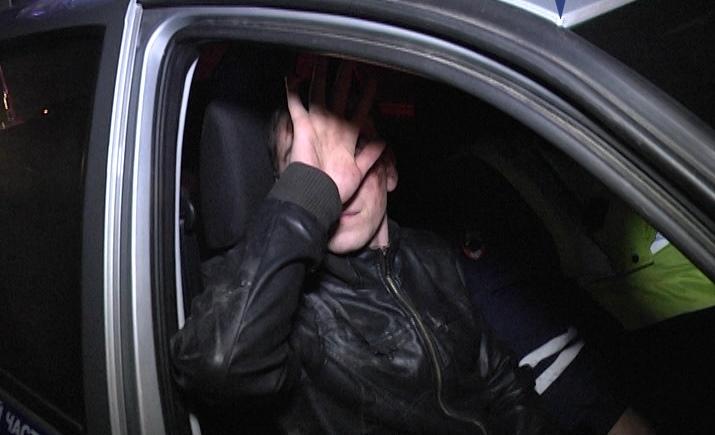 Под Екатеринбургом «девятка» сбила водителя, который ремонтировал УАЗ