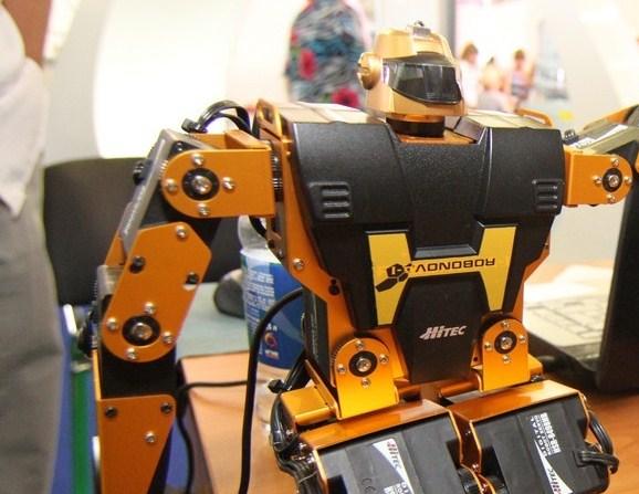 Юные повелители роботов из Екатеринбурга едут на всемирную олимпиаду