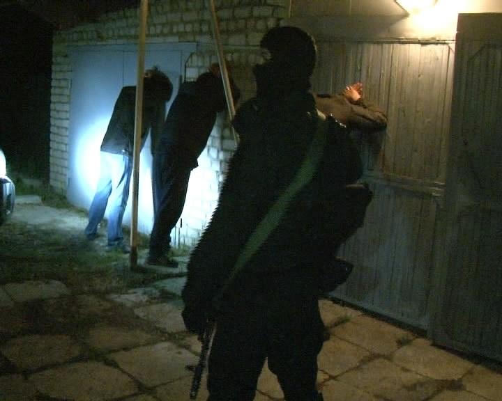 В Каменске-Уральском поймали банду угонщиков дорогих авто