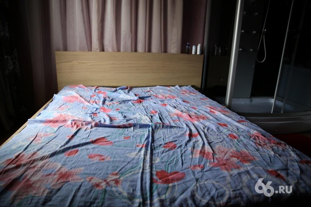 Опустели платные постели: из-за кризиса проститутки Екатеринбурга меняют работу