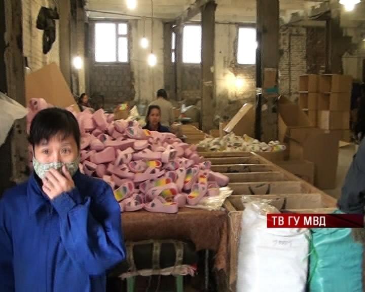 Свердловская полиция ликвидировала цех по производству обуви «Шанель»