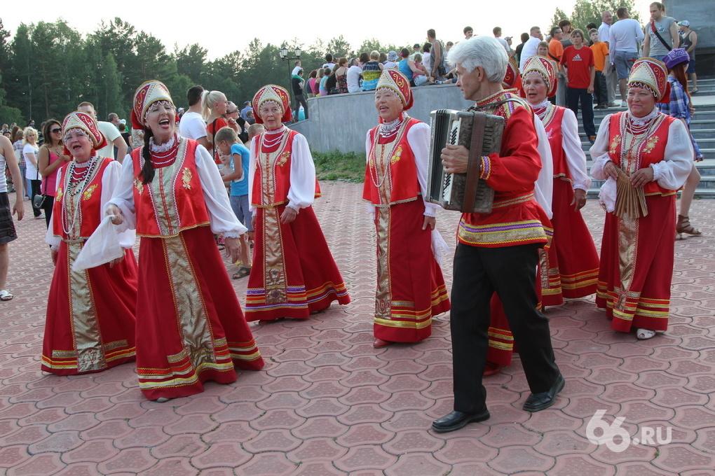 На Плотинке в День России выступит хор из 1000 человек