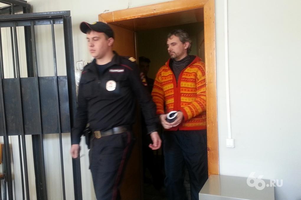 «Дмитрий — человек верующий». В суде допросили звездных друзей Лошагина