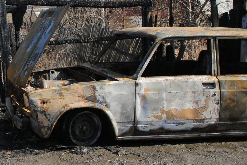 Мститель в тапках: полиция задержала поджигателя машин на Эльмаше