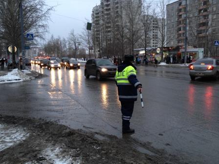 Жителя Екатеринбурга арестовали на 7 суток за штрафы ГИБДД