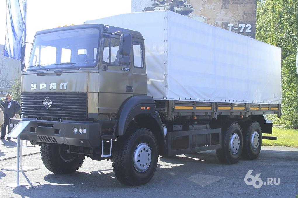 Владельцев грузовиков заставят платить за наносимый дорогам вред