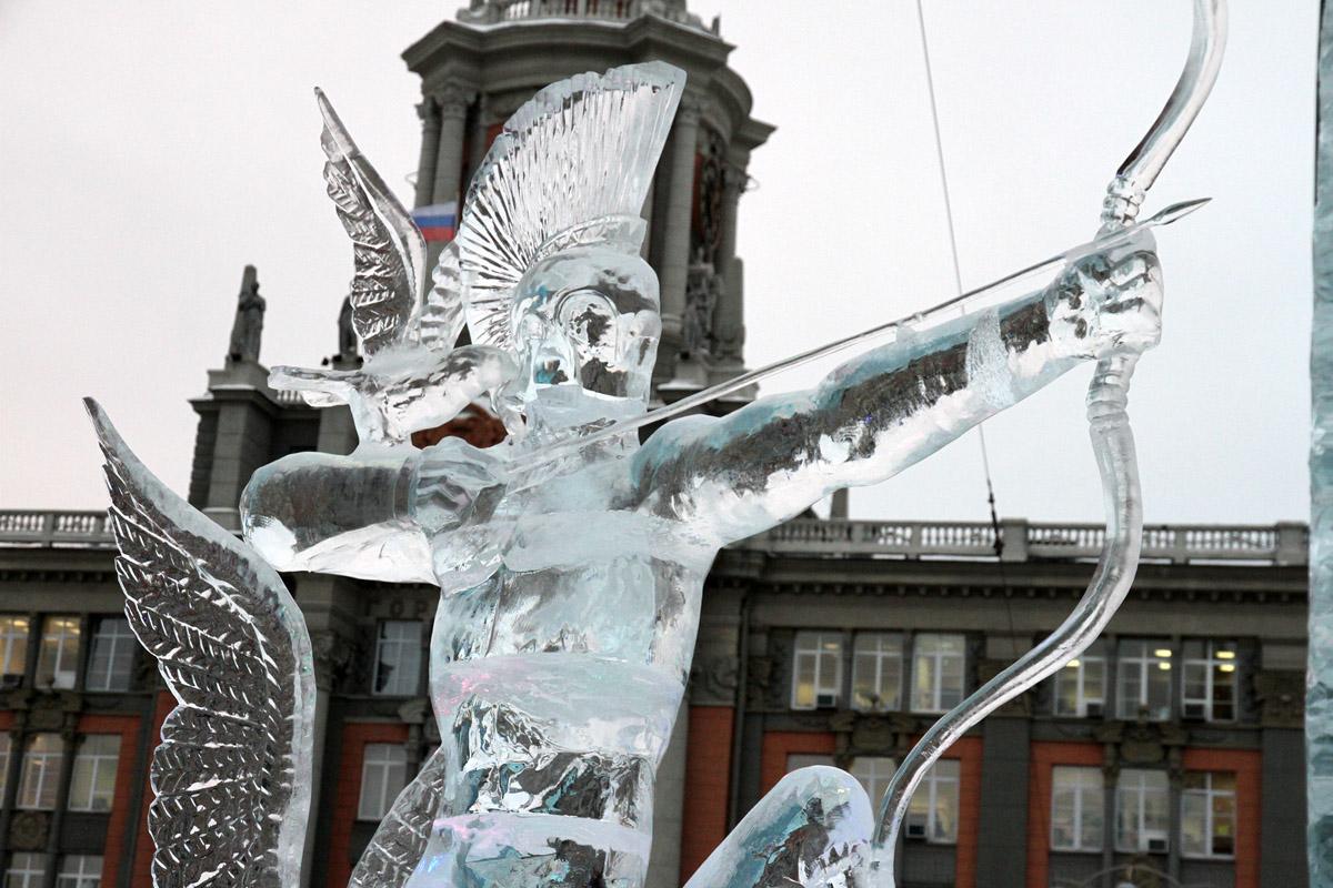 Новогодний городок в Екатеринбурге оставят без больших горок