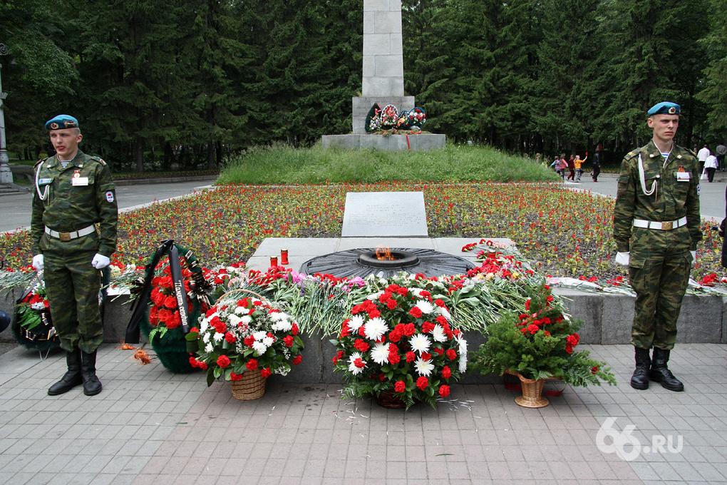В Свердловской области благоустроят 1260 воинских захоронений