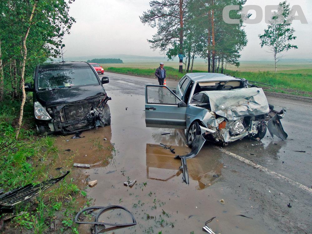 На Челябинском тракте «четырнадцатая» влетела в нос Hyundai