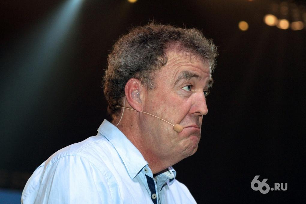 Ведущих шоу Top Gear лишили права управления автомобилем