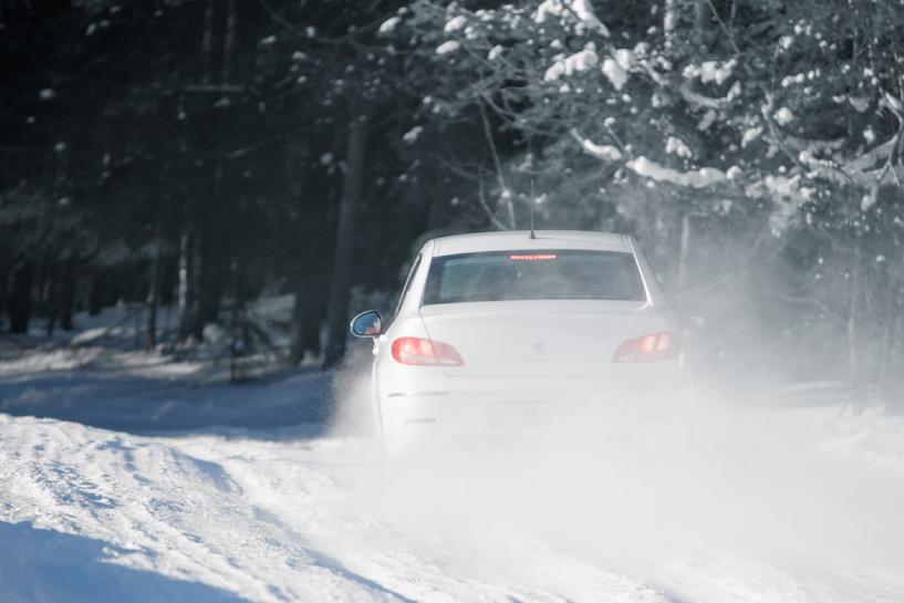 Peugeot 408 vs Ford Focus 3 Sedan: русская дуэль