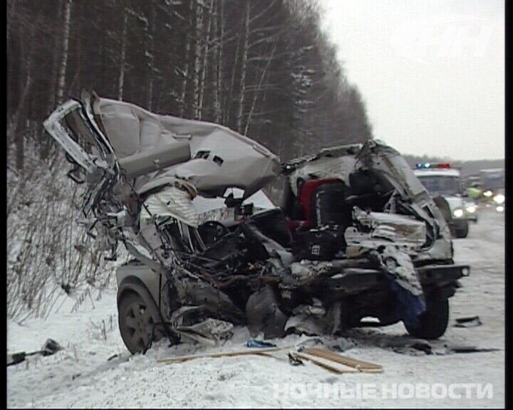 На дублере Сибирского тракта грузовик разорвал внедорожник