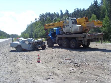 На Серовском тракте «Волга» въехала в грузовик