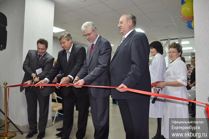 Успеть до Нового года: за день Якоб открыл сразу три отремонтированные больницы
