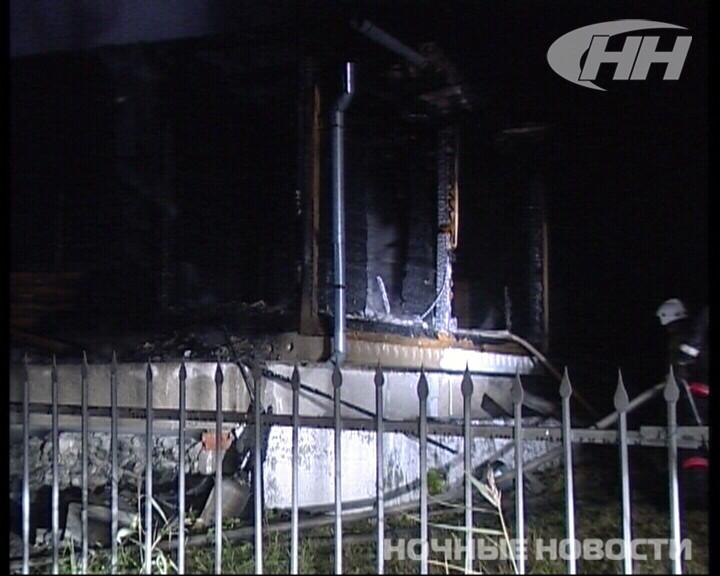 В выходные в саду на Полевском тракте сгорел дом