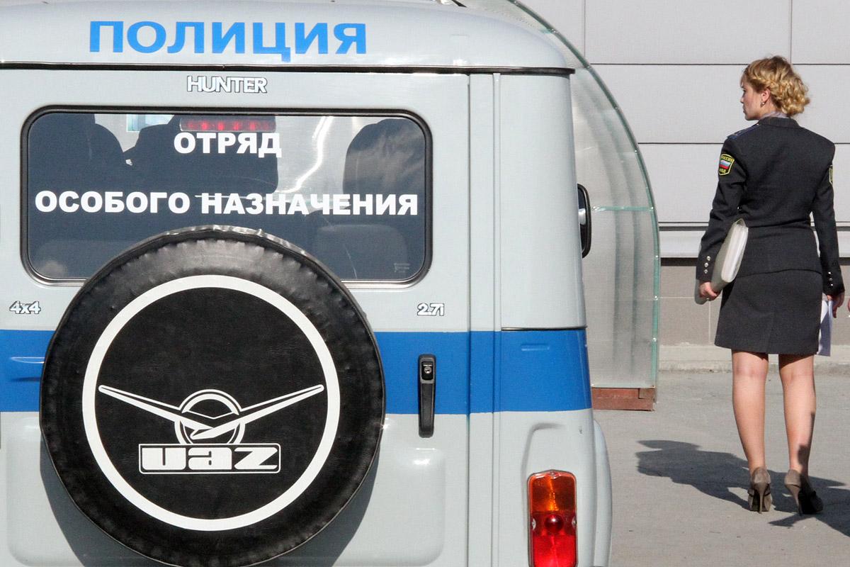 На Пермском тракте столкнулись две иномарки и полицейский УАЗик