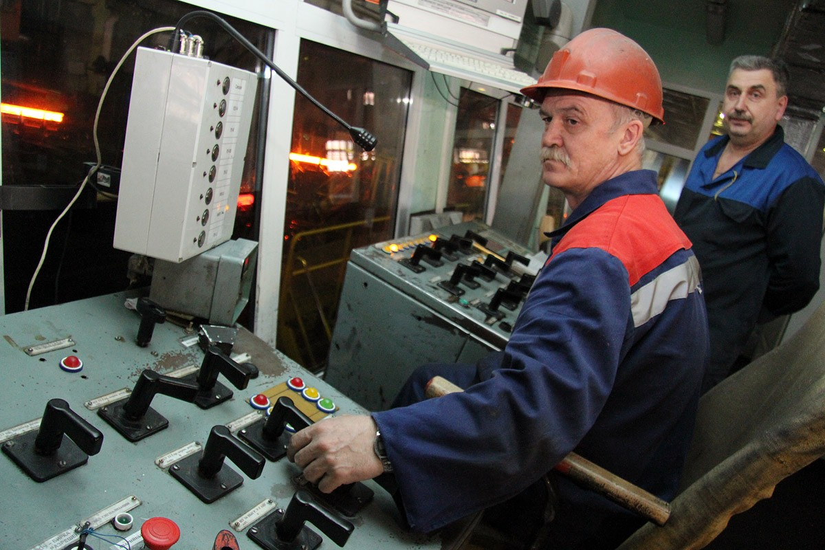 Кризис отменяется: областное правительство рапорует о супернизкой безработице
