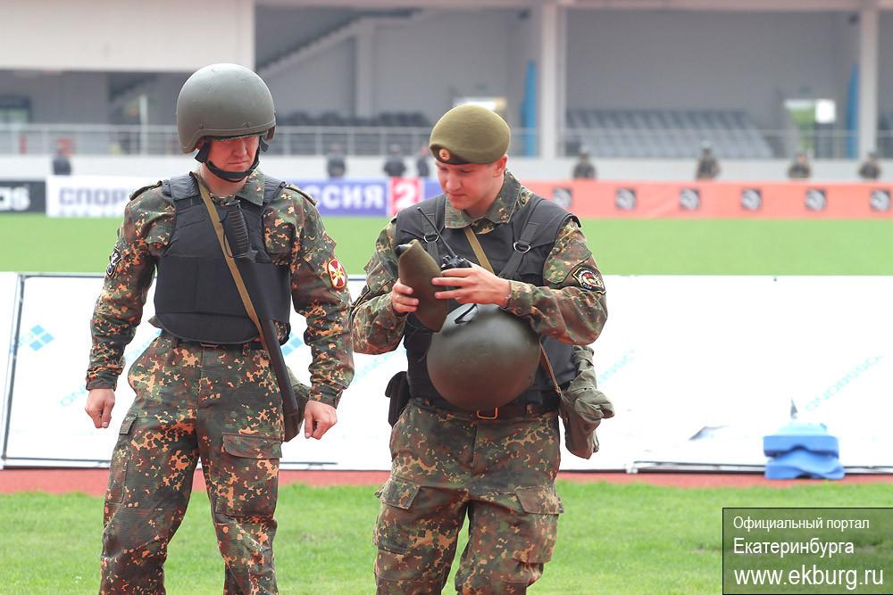 Силовики отрепетировали разгон болельщиков на Центральном стадионе
