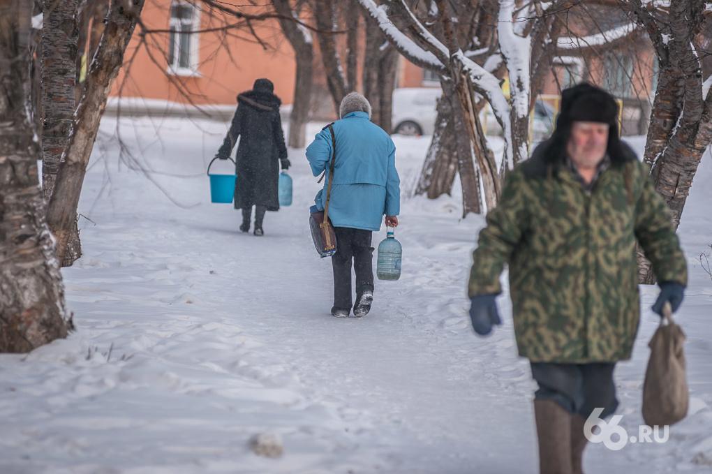 Поселок в Нижней Туре остался без воды: аварию обещают устранить к вечеру