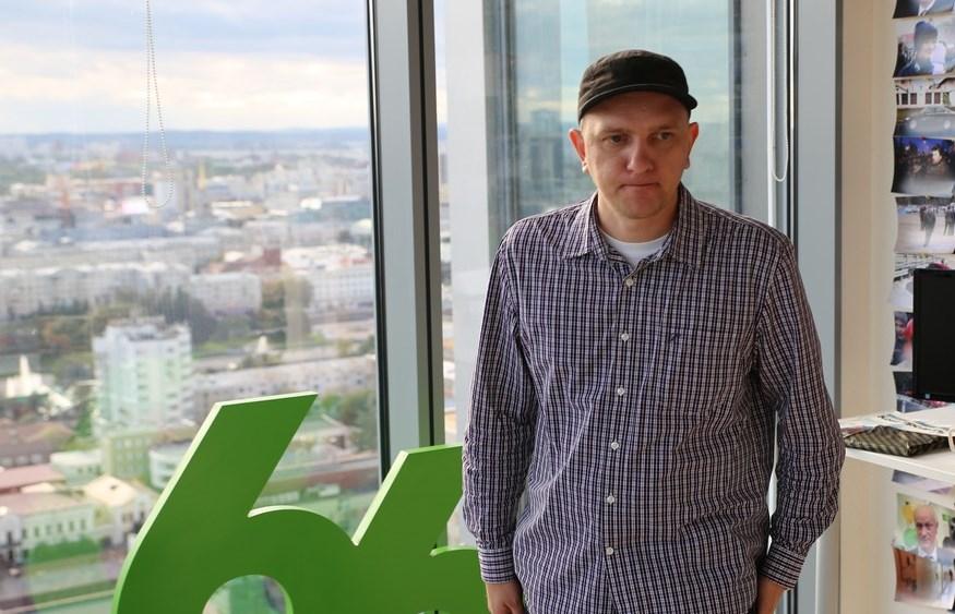 Невыездной рэпер Наум Блик написал песню-предчувствие за месяц до конфликта с цензорами. Интервью. Трек