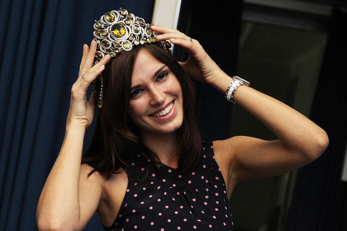 Мисс Россия — 2010 рассказала девушкам из Екатеринбурга, как стать первой красавицей страны