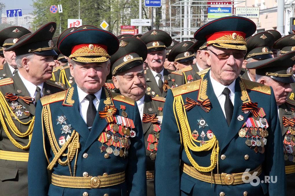 По площади в День Победы пройдут судебные приставы