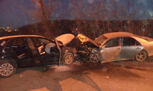 В Екатеринбурге в аварии на Походной пострадали три человека