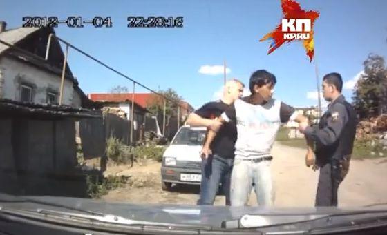 Прокуратура разберется, зачем полицейский из Салды держал у себя нелегалов
