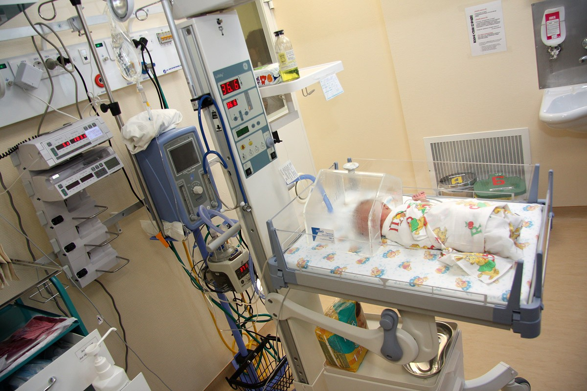 Минюст: законопроект о регистрации детей не запретит женщинам рожать дома