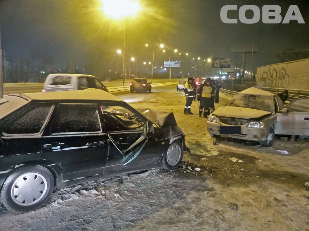 Возле «Карнавала» Hyundai снес ВАЗ: один человек погиб