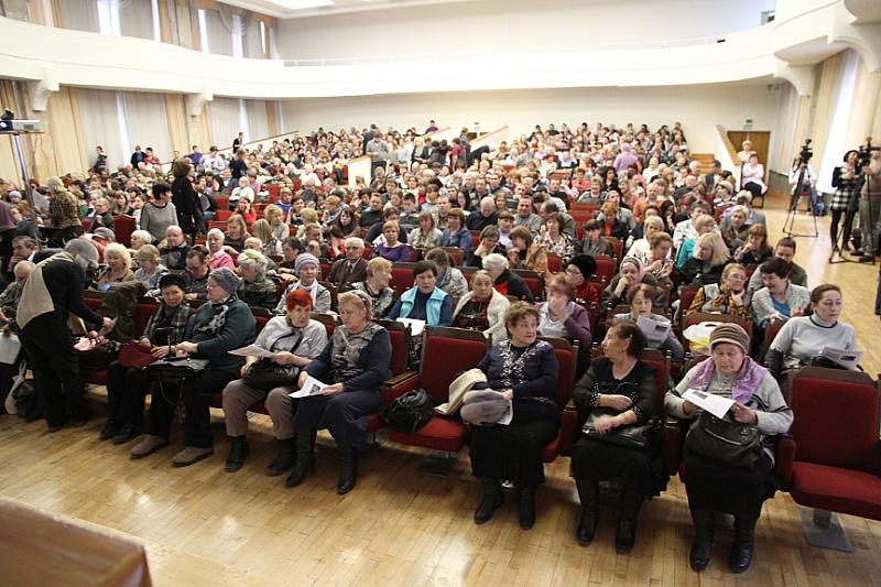 Онлайн-троллинг 80 lvl: промэрская общественность разносит областной бюджет