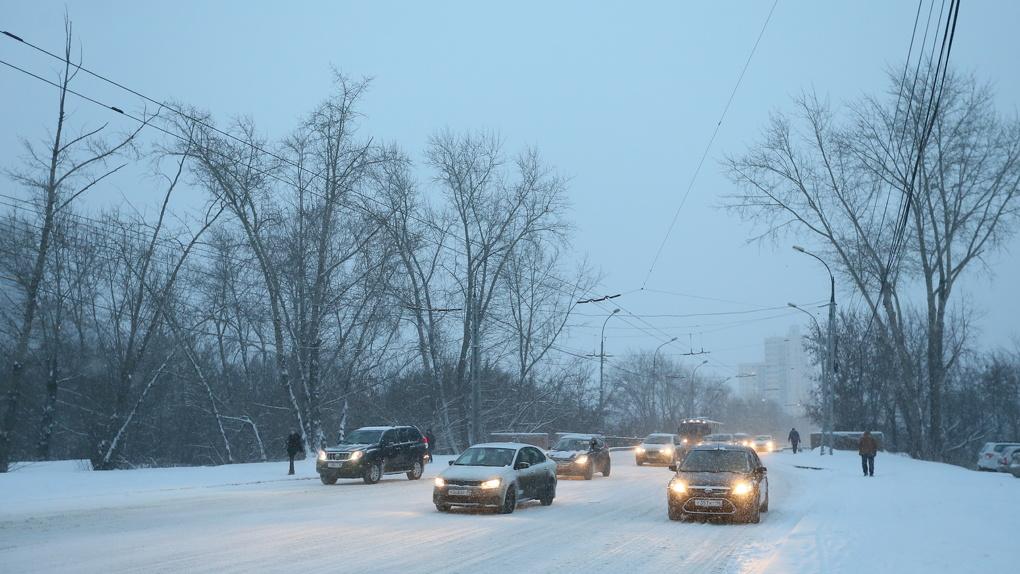 На трассах Свердловской области установили комплексы для определения гололедицы