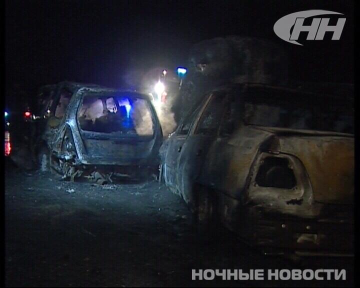 Ночью на ЕКАД столкнулись три автомобиля. Один человек погиб