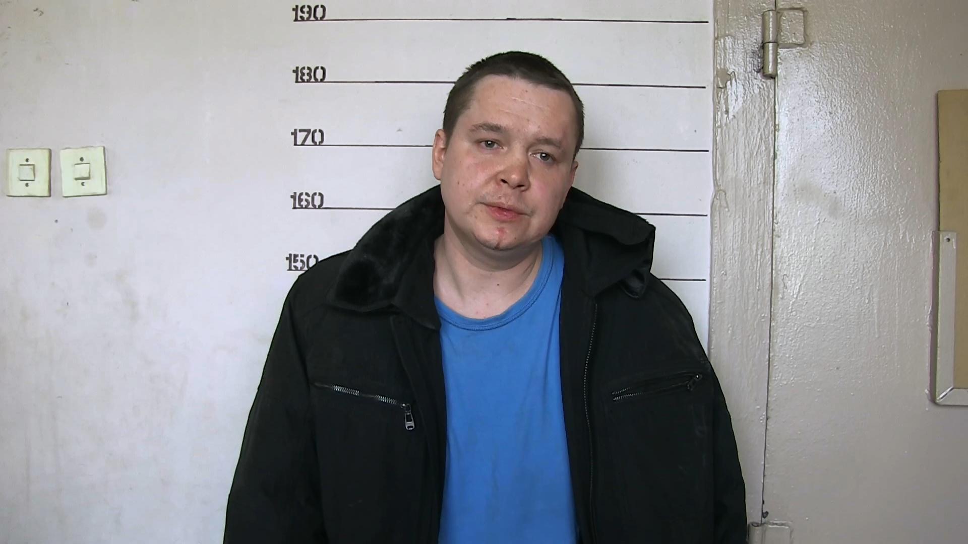 В Екатеринбурге пьяный мужчина с ножом напал на посетителей психбольницы