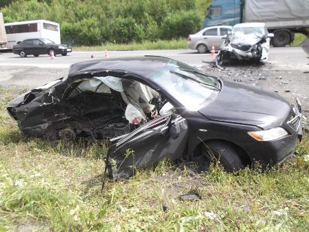 В ДТП с четырьмя авто на дороге Пермь — Екатеринбург погибла девушка