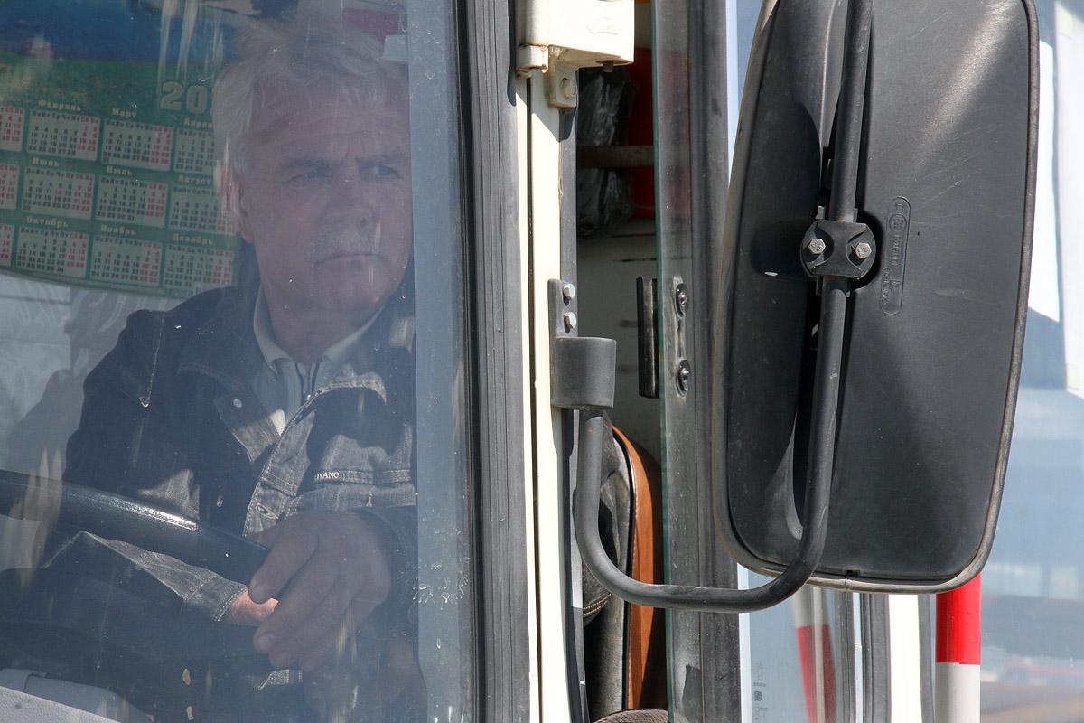 «Километр до остановки»: жители Екатеринбурга жалуются на новый маршрут автобуса №54