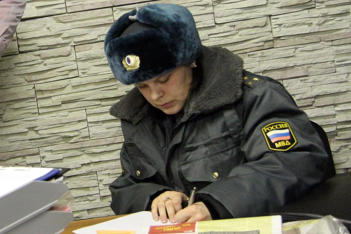 На Уралмаше вооруженный преступник в медицинской маске устроил налет на «Экспресс деньги»