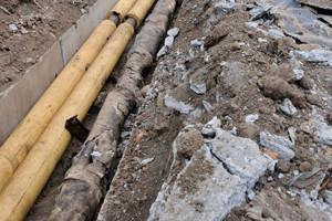 На Рощинской закрыли движение из-за прокладки канализации