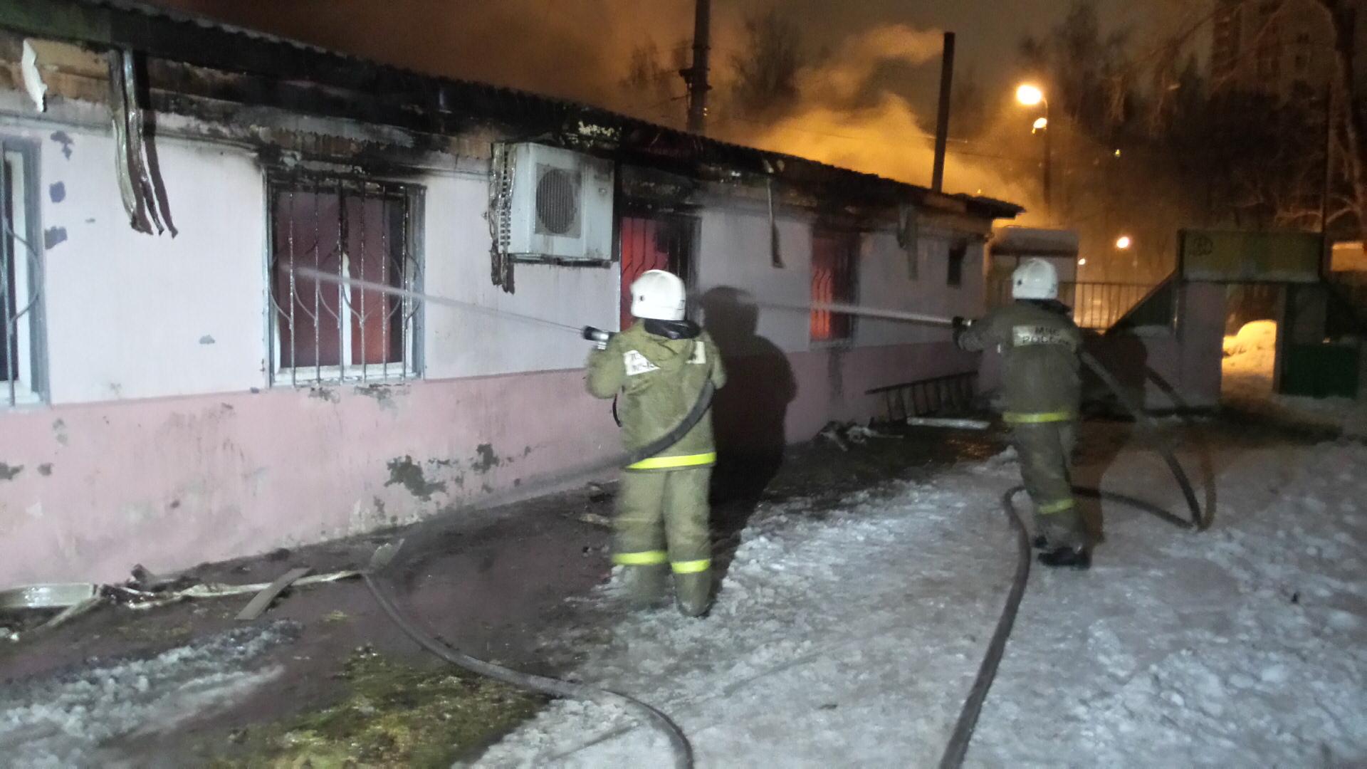 На Сортировке из-за пожара в кафе на час перекрыли движение трамваев