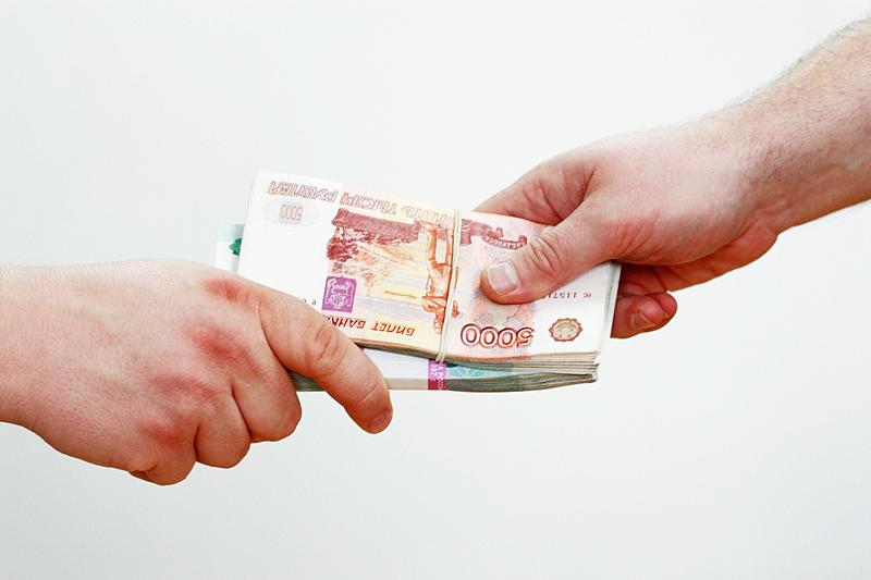 Замначальника отдела УФМС в Кольцово попался на взятке в тысячу рублей