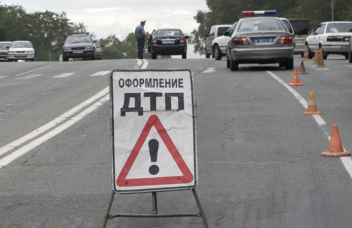 Возле Режа иномарка спровоцировала столкновение «Волги» с автобусом