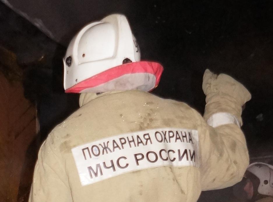 На крупном пожаре в Пелыме погибли три человека