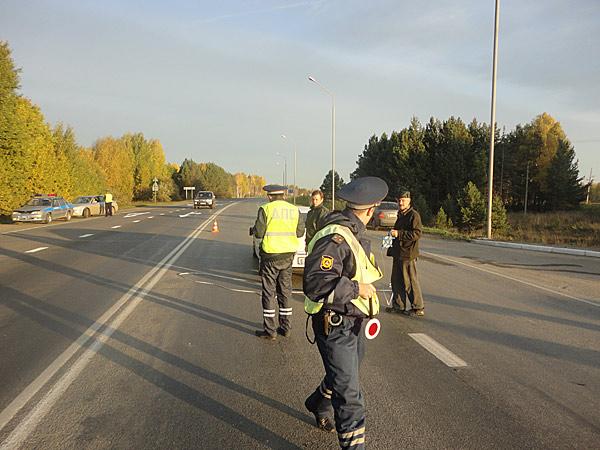 В лобовом столкновении на трассе погиб пассажир легковушки