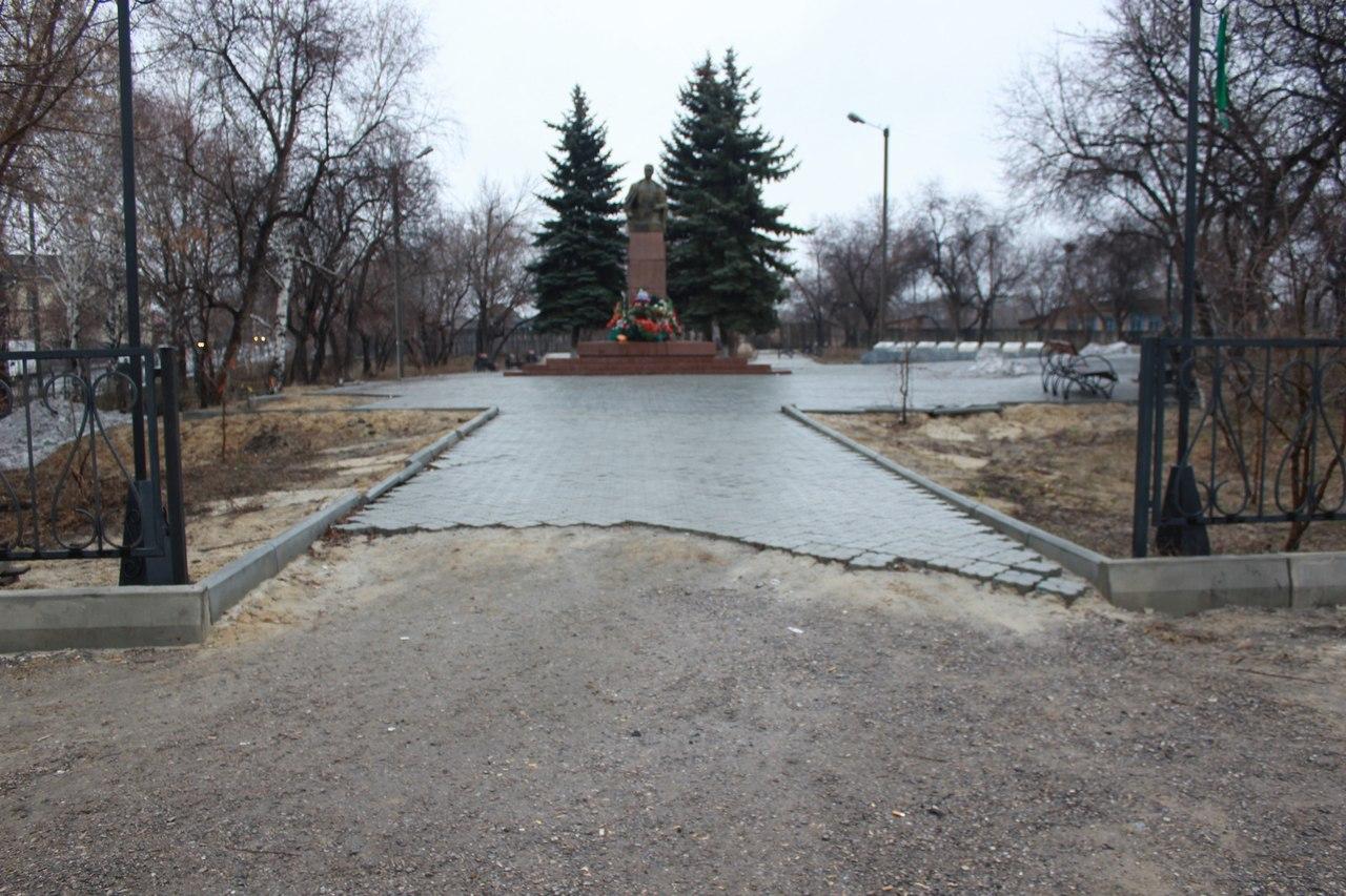 В Талице рассыпается сквер разведчика Кузнецова